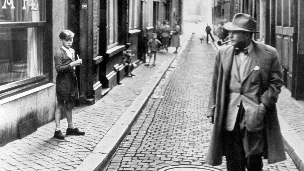 Maupassant se acerca lo máximo posible al artista puro, Georges Simenon — Calle del Orco